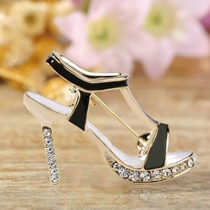 Jewelry - Gold Crystals High Heels Shoe Brooch